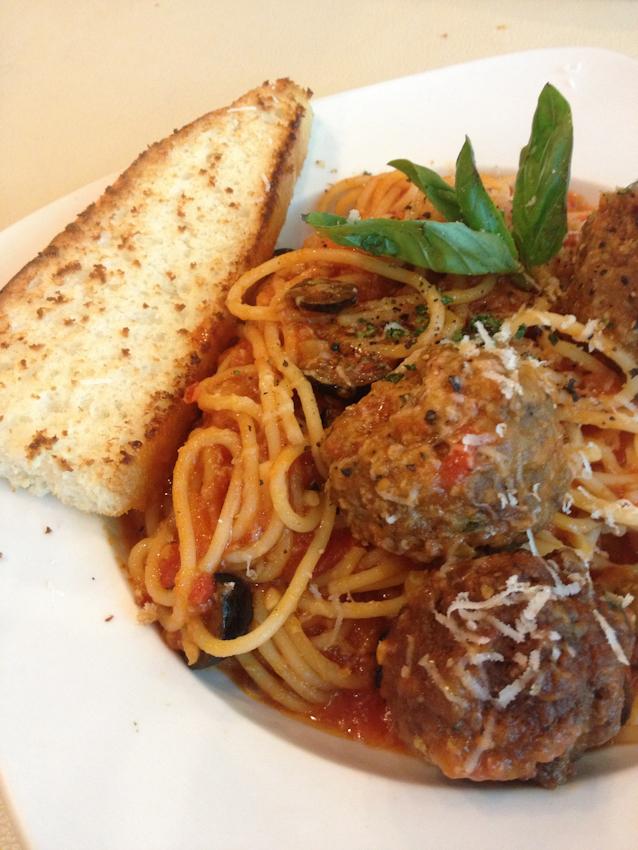 Italian-Meatballs-in-Spaghetti-Pasta