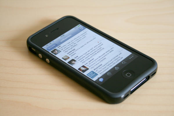 iphone-4-twitter_l