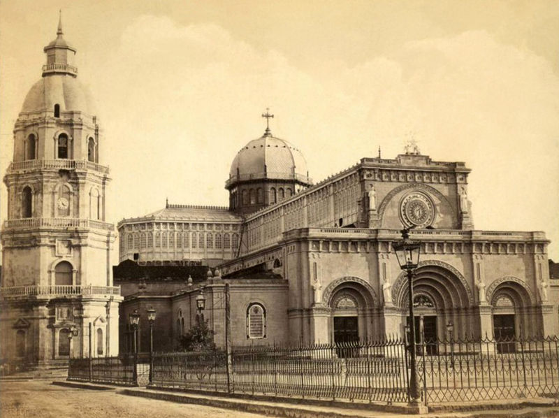 800px-Manila_Cathedral_before_the_1880_earthquake