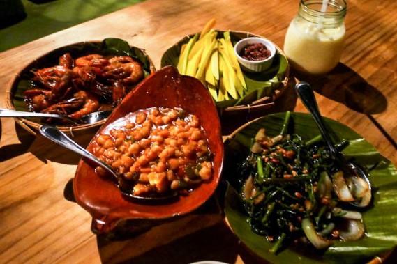 meal-in-lantaw-floating-native-restaurant