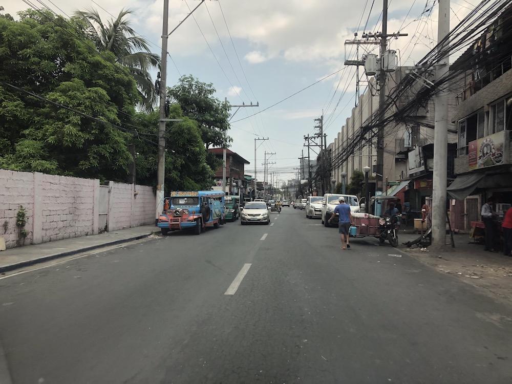 フィリピン ロック ダウン